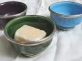 Schälchen aus Keramik-Metall u.B. für Duftklötzchen.JPG